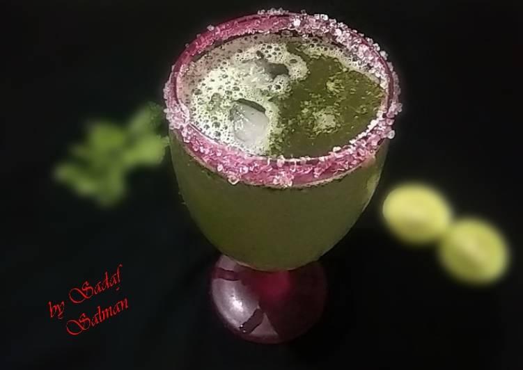 Limonana (Middle Eastern Frozen Mint Lemonade)