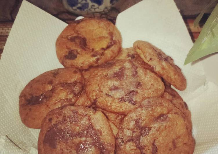 Chewy Fudgy Chocolate Cookies