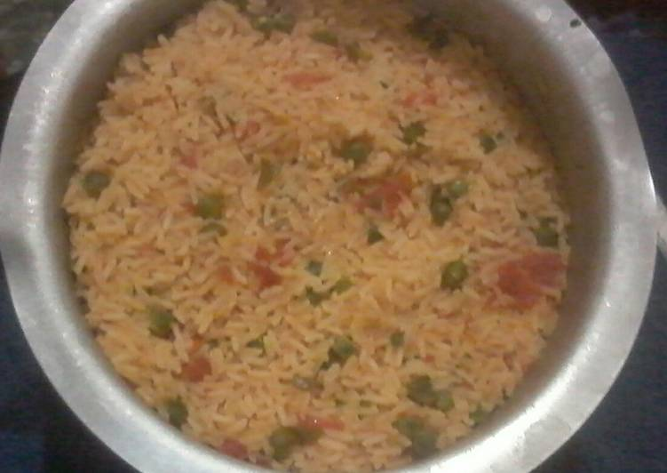 Choosing The Right Foods Can Help You Stay Fit And Also Healthy Rice mixed with peas