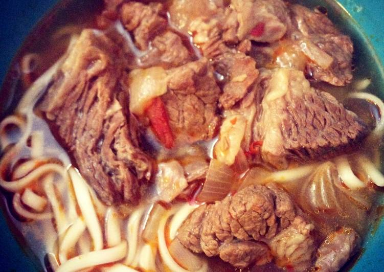 Recipe: Yummy Taiwanese Braised Beef Noodle Soup