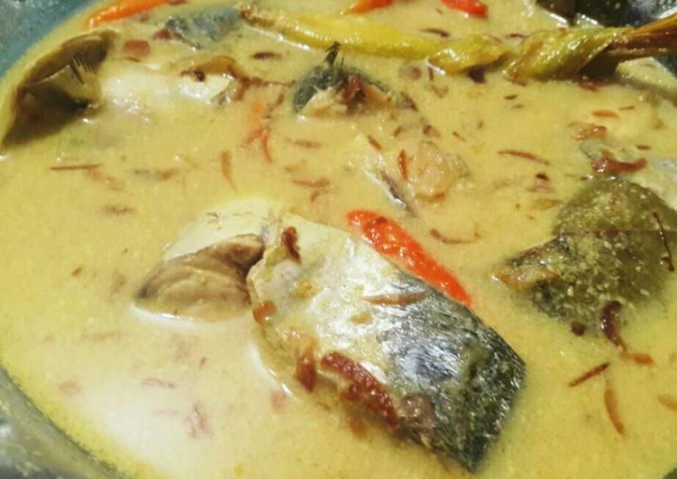 Gulai ikan laut / gule layang