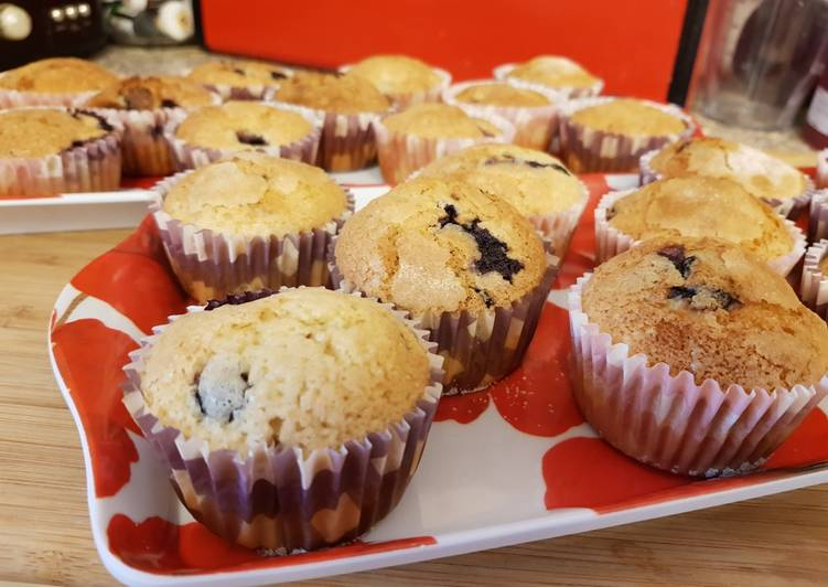 Steps to Make Perfect Blueberry muffins