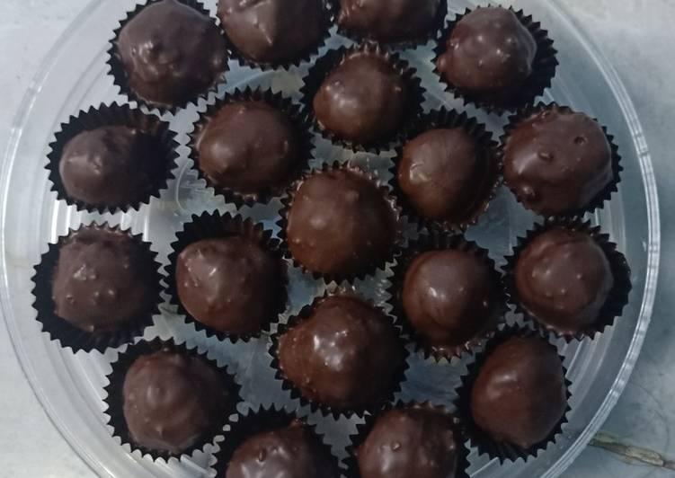 Kacang biskuit coklat