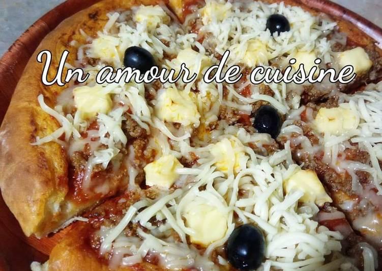 recette Pizza viande hachée/fromage le délicieux