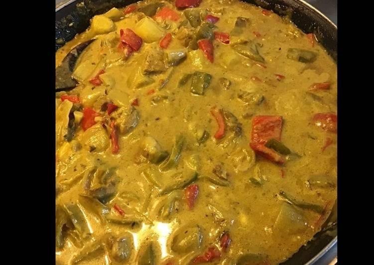Sauté de porc aux endives poivrons et curry