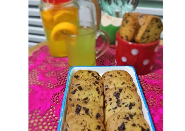 Choco Chunks Butter Cookies
