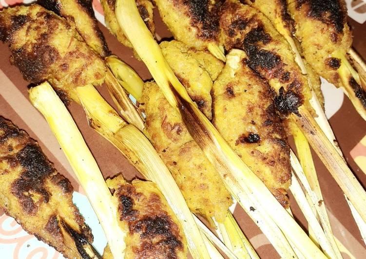 Sate Lilit Ayam Pedas Bakar Arang