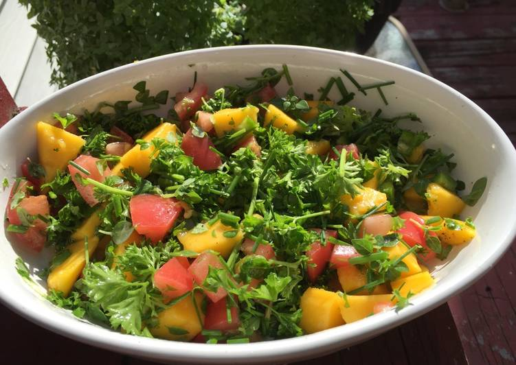 Hot mango salad