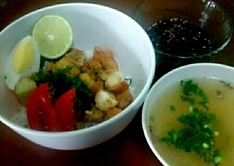 Keemoy (Bakmoy dengan daging ayam) Khas Surabaya