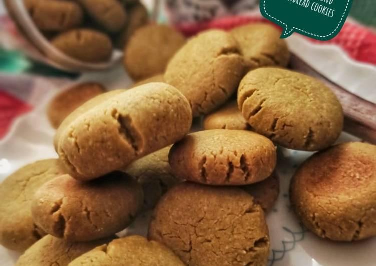 Almond matcha shortbread cookies