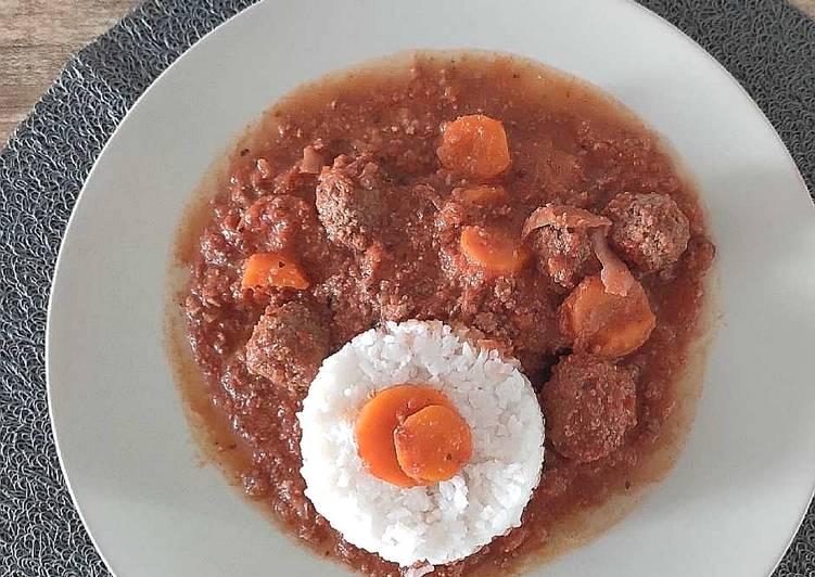 Boulettes de boeuf sauce tomates et carottes