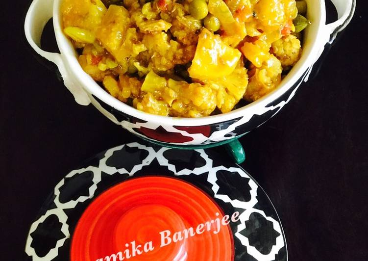 Cauliflower and Prawns Masala Curry