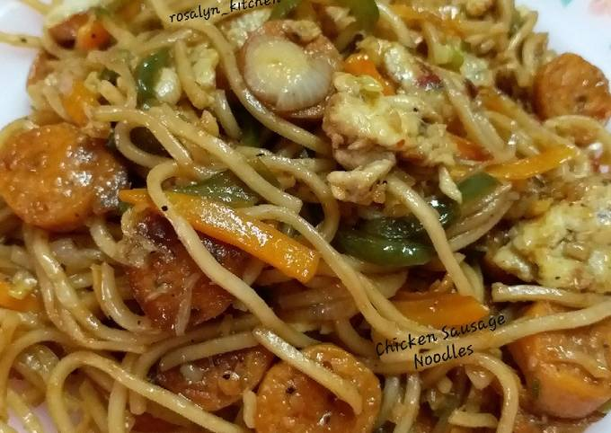 Chicken Sausage Noodles with Egg and Veggies