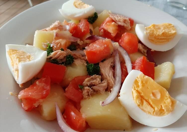 Ricetta Insalata di patate, tonno, uova e pomodori