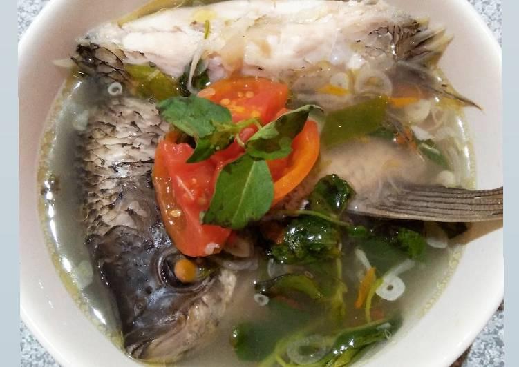 Resep Sop Ikan Gurame Asam Pedas oleh merita daniati - Cookpad