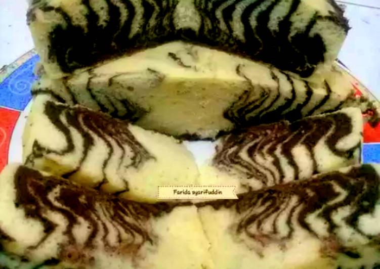 Cara Termudah Masak Lezat Bolu Zebra Kukus Putih Telur