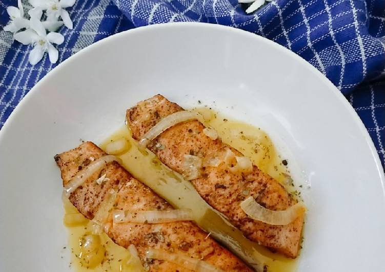 Salmon Grill with Honey Lemon Butter Sauce