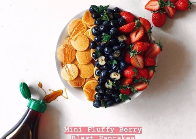 Mini Fluffy Berry Blast Pancakes