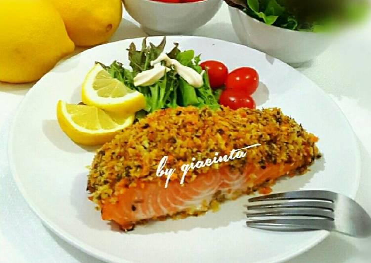 Salmon panggang tabur tepung roti berbumbu