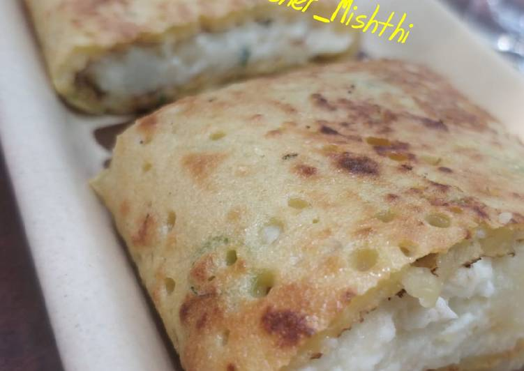 5 Minute Steps to Make Autumn Moong Dal Chilla With stuffed Panner