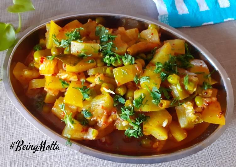 Easiest Way to Prepare Favorite Lauki-Matar ki Sabzi
