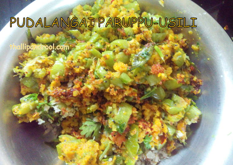 Pudalangai Paruppu-Araichu(Usili) / Snake gourd(chichinda) and Lentil stir fry
