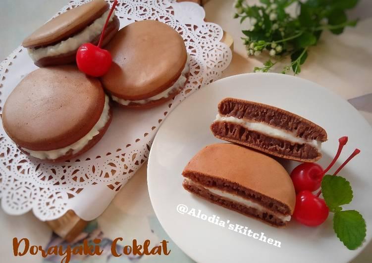 Dorayaki Coklat Vla Vanilla