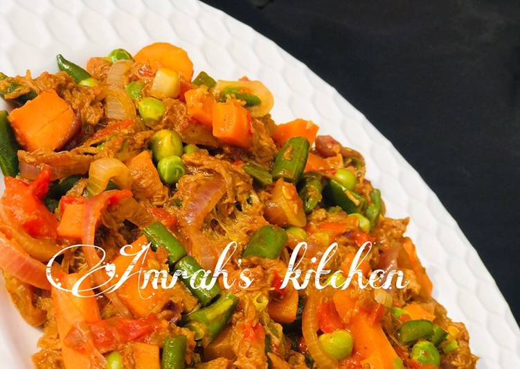 Mince beef and veggies sauce