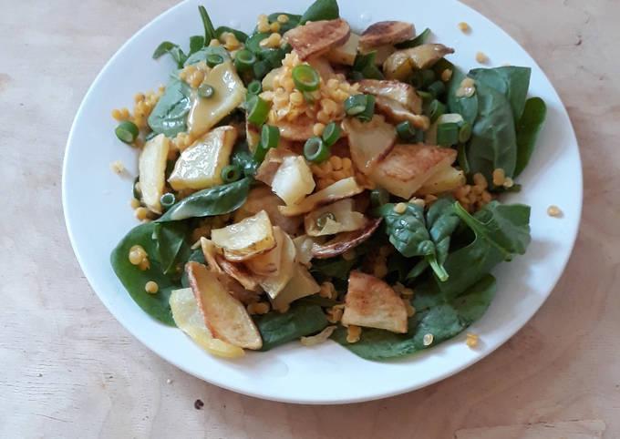 Babyspinat mit Bratkartoffeln und Linsen (vegan und glutenfrei)