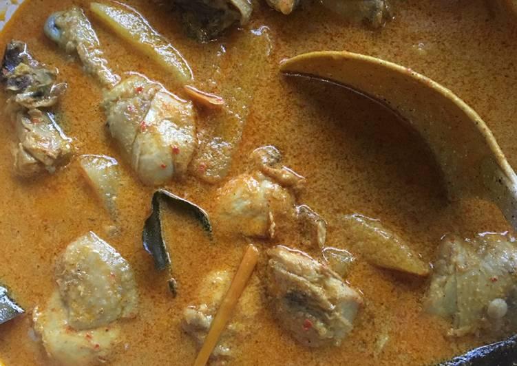 Gulai Ayam (pakai kelapa gongseng)