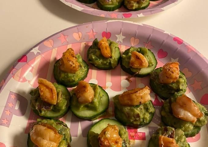 Guacamole Shrimp Cucumber Bites