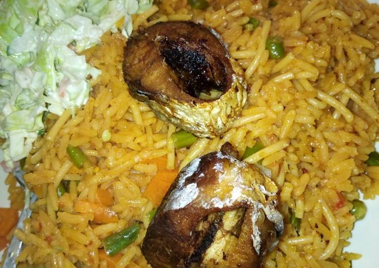 JOLLOF Rice with fish and coslow