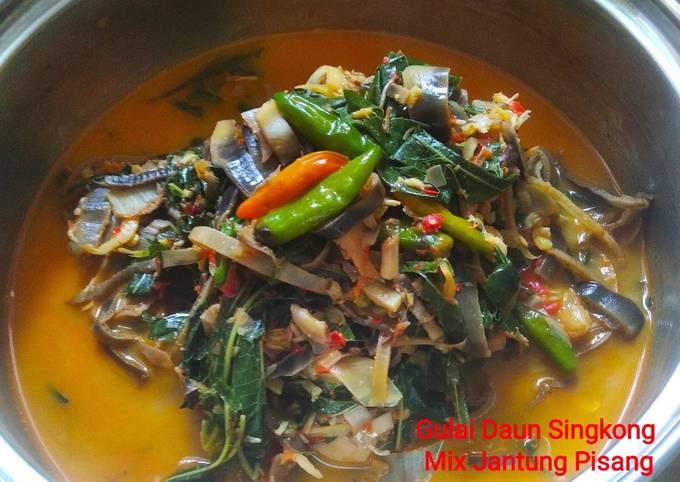 Gulai Daun Singkong Mix Jantung Pisang