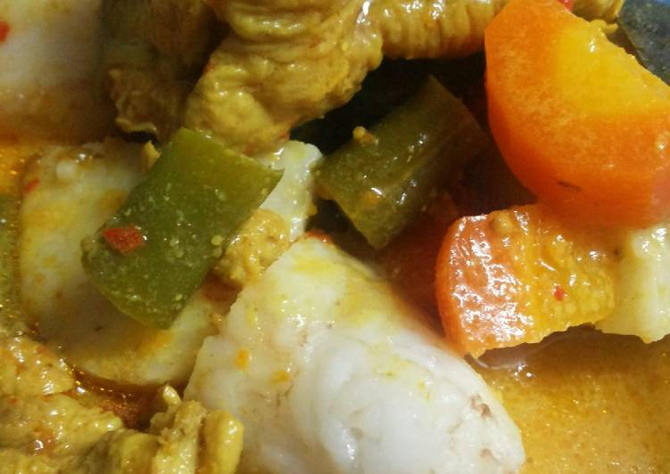 Ketupat Kare Ayam Sayur