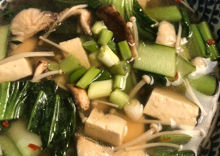 Recipe: Perfect Noodle soup with mushrooms and greens – vegan