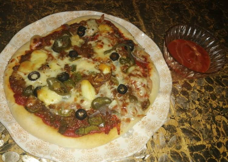 Mince Beef (Qeema) Pizza