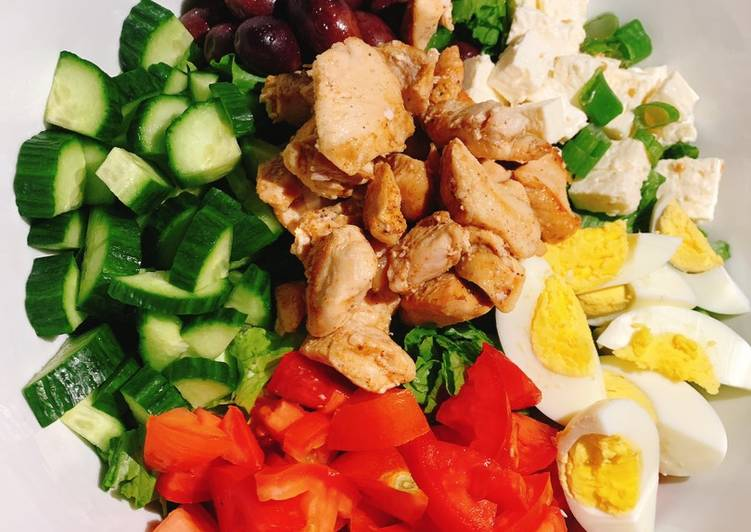 How to Make Homemade Cobb Salad