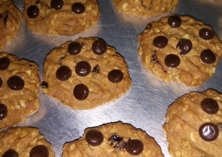 Oat meal cookies with raisin and Choco chips