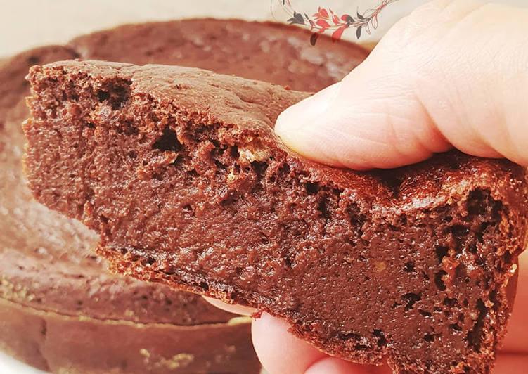 Gâteau mousseux au chocolat sans beurre