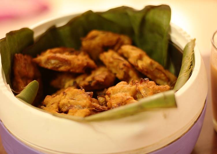 Ulli Vada Awesomeness -Simplest home recipe to the roadside favorite onion vada