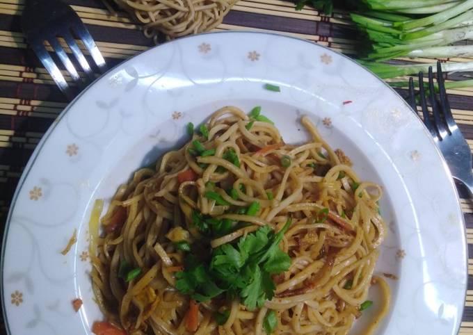 Egg fried noodles