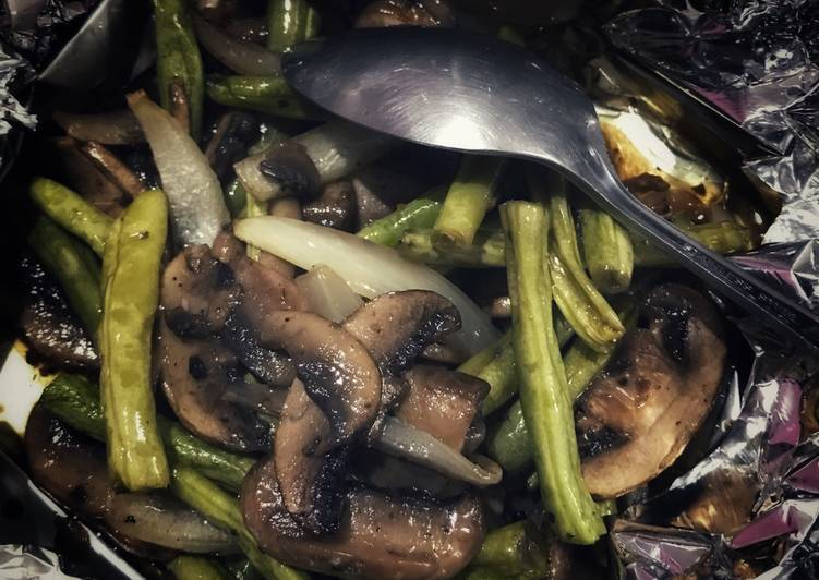 Steps to Prepare Super Quick Homemade Roasted Mushroom and Green Bean