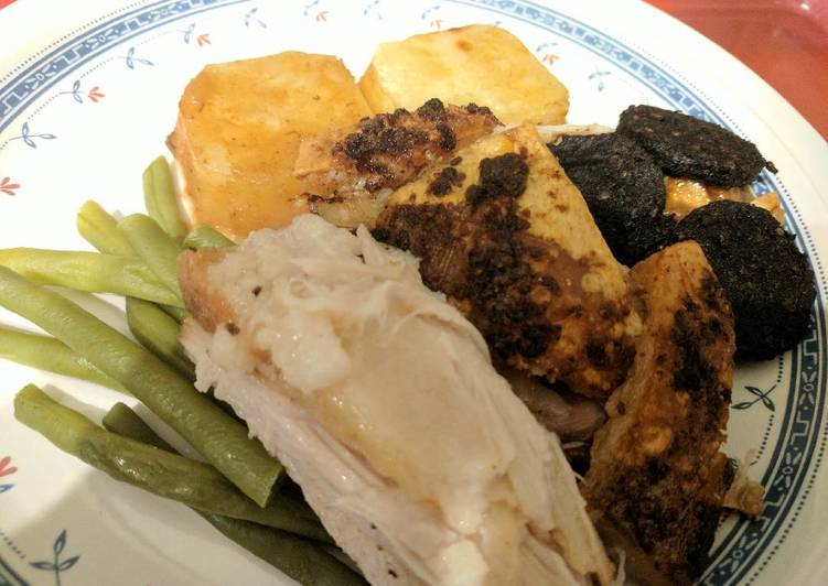 Belly, Black pudding, potatoes, green beans & apple sauce