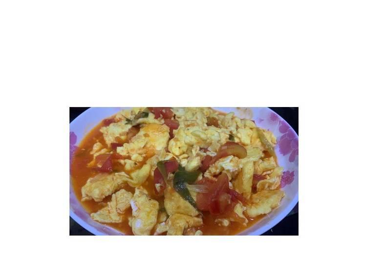 Telur dadar tomat