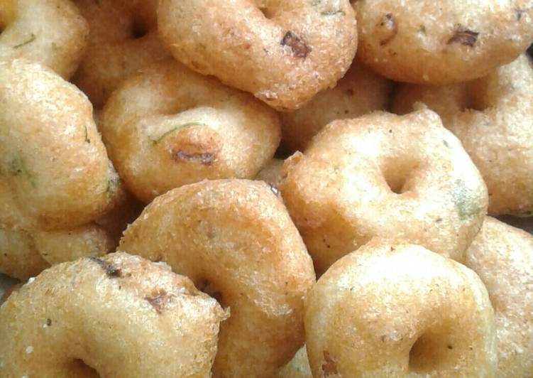 What are some Dinner Ideas Refreshing Medu vada