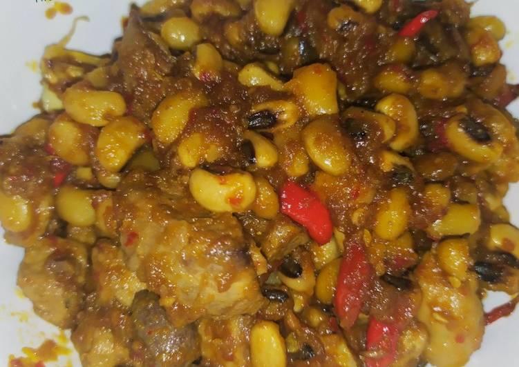 Sambal goreng Hati Ampela & kacang tolo