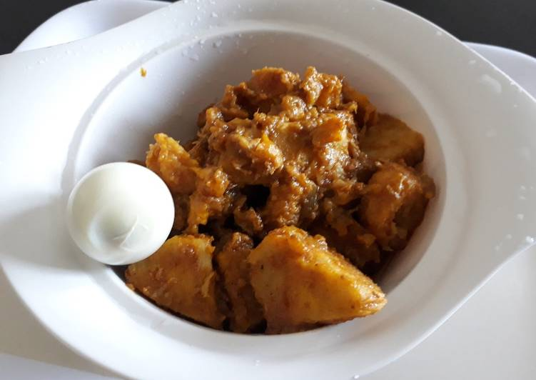 Yam and ripe plantain porriage with boiled egg