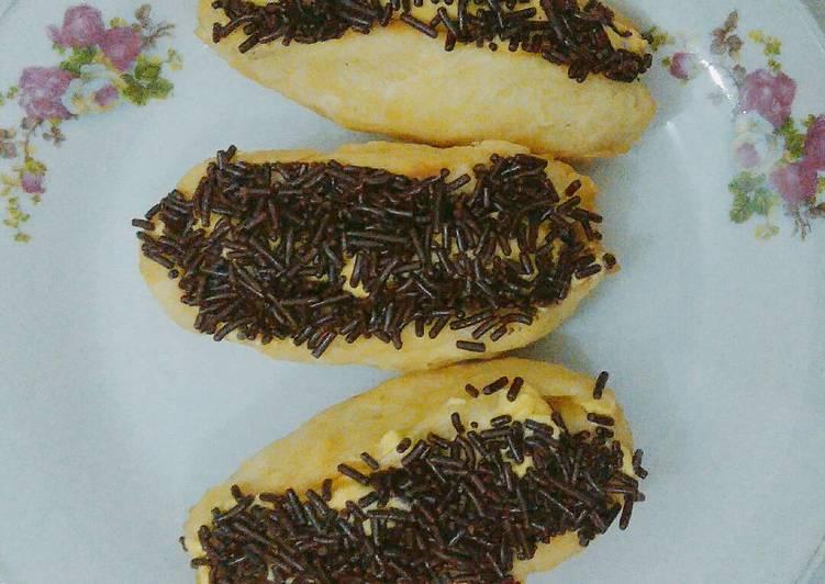 Roti Goreng Wafer Cokelat Meses