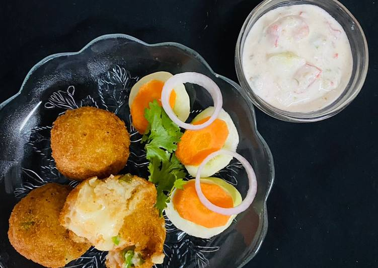 Recipe of Quick Potato Cheese Balls With curd dip