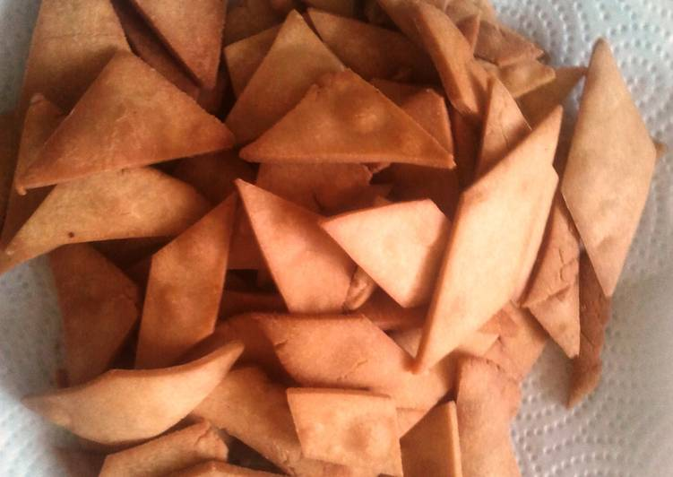 Shakarpara (Sweet and crispy snack)